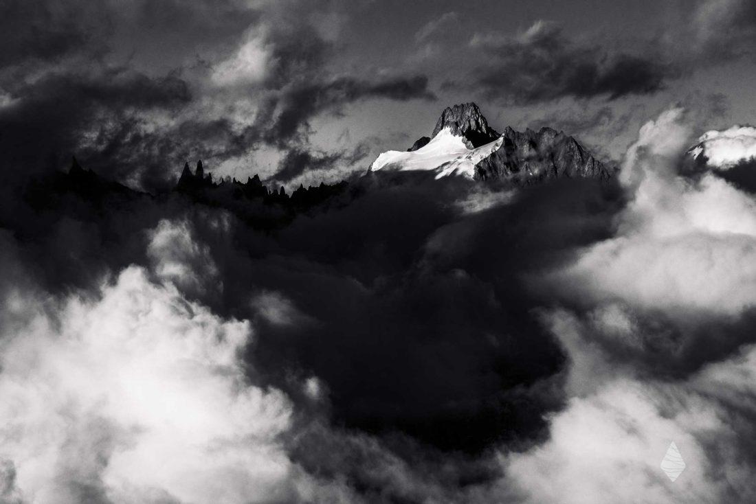 Photo de montagne avec l'Aiguille du Triolet dans le massif du Mont-Blanc