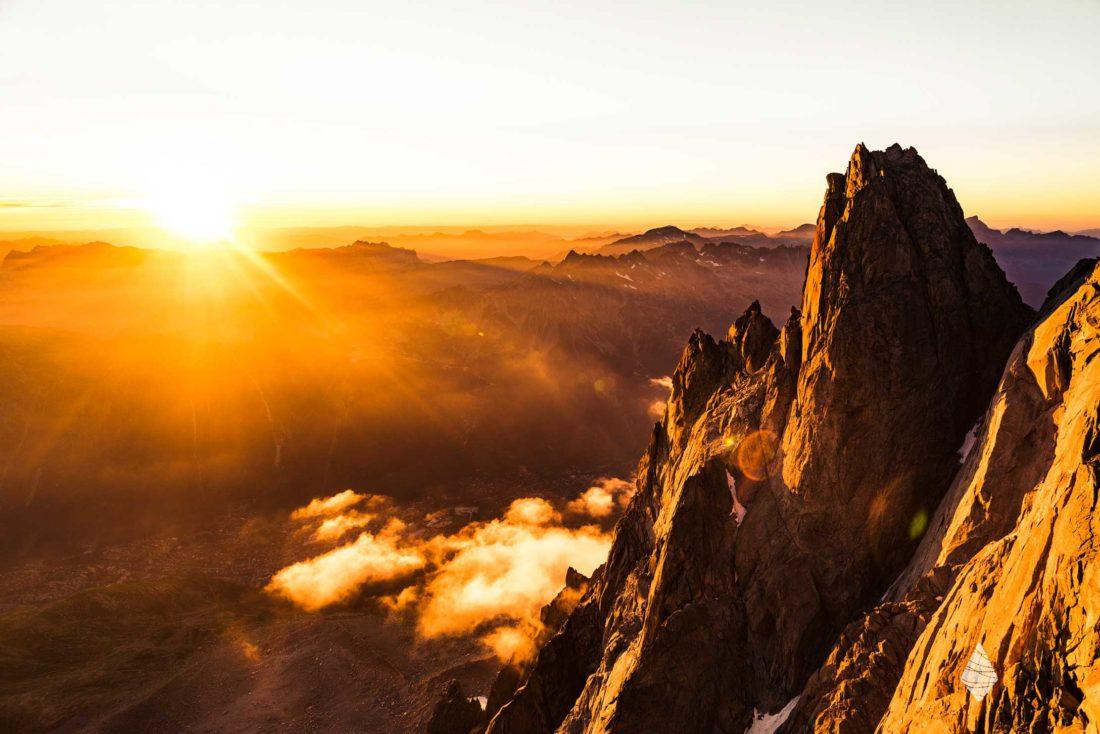 Photo d'un coucher de soleil aux Aiguilles de Chamonix