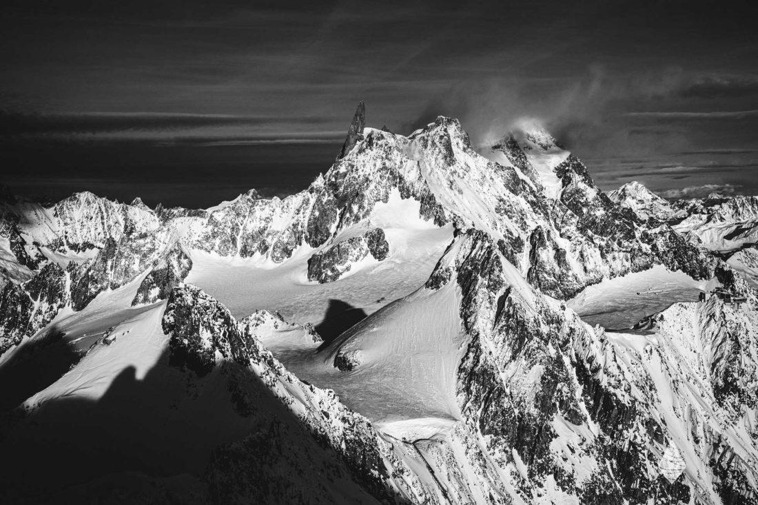 Photos noir et blanc de la Dent du Géant dans le Massif du Mont-Blanc