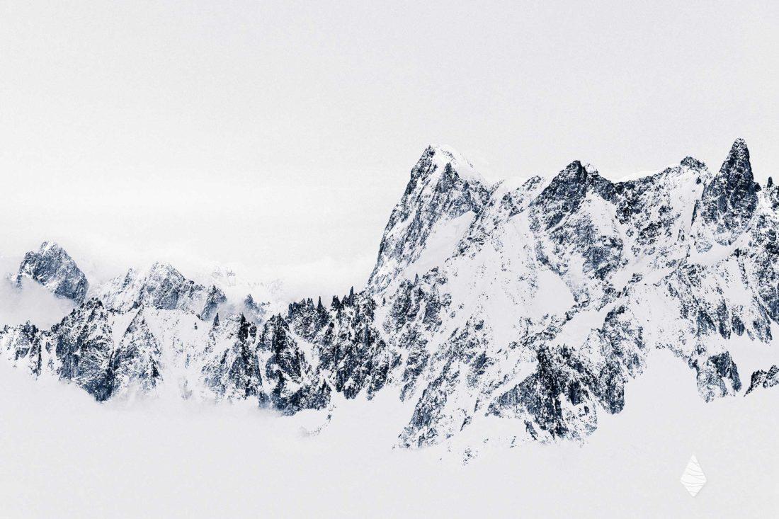 Photo de montagne en hiver avec les Grandes Jorasses, les Périades et la Dent du Géant
