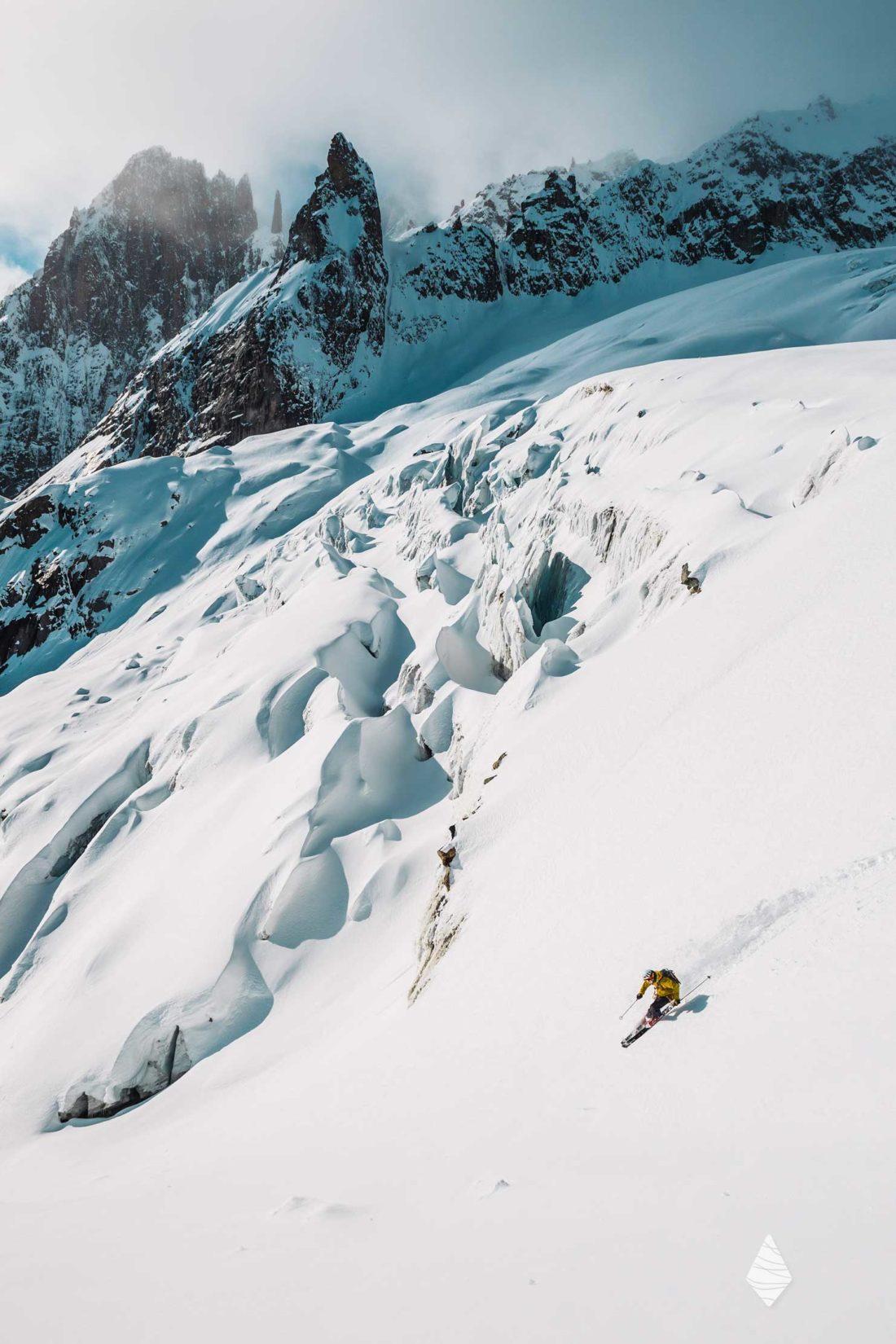 Photo d'un skieur versant Italien du Mont-Blanc sur le glacier de Toule