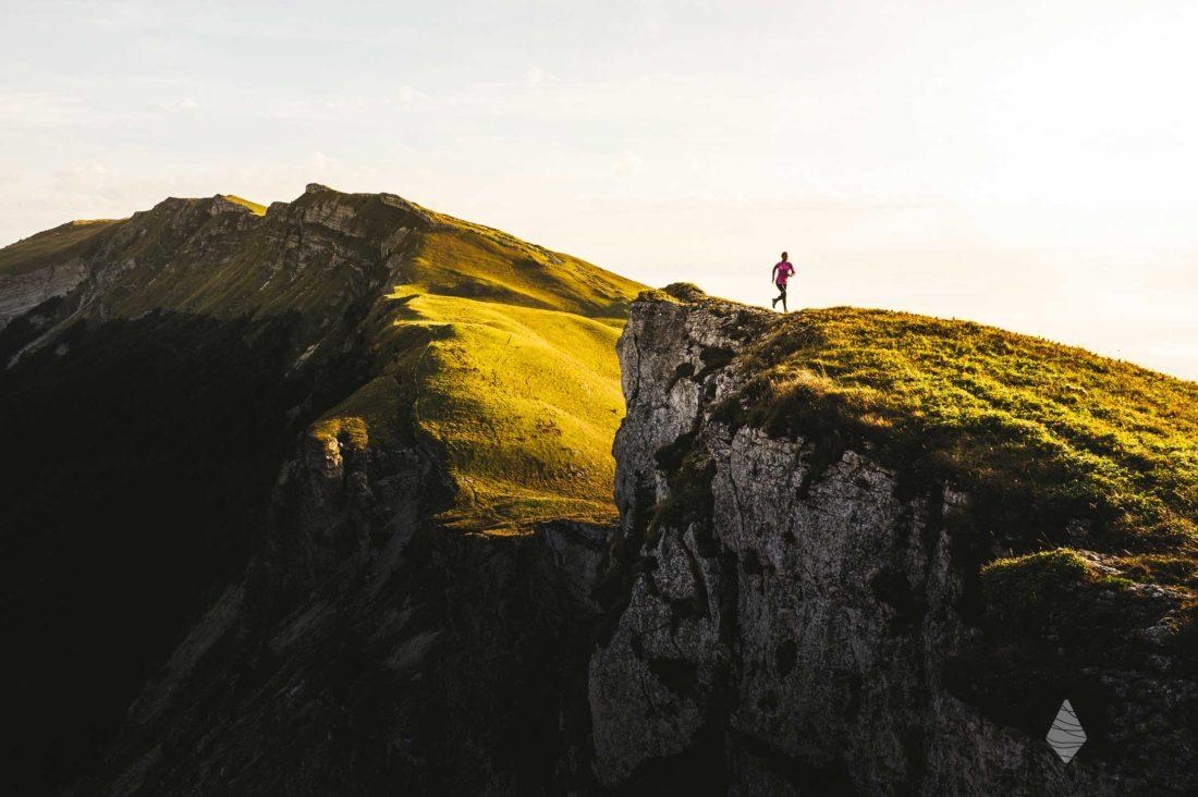 Photo de trail running sur les crêtes du Jura