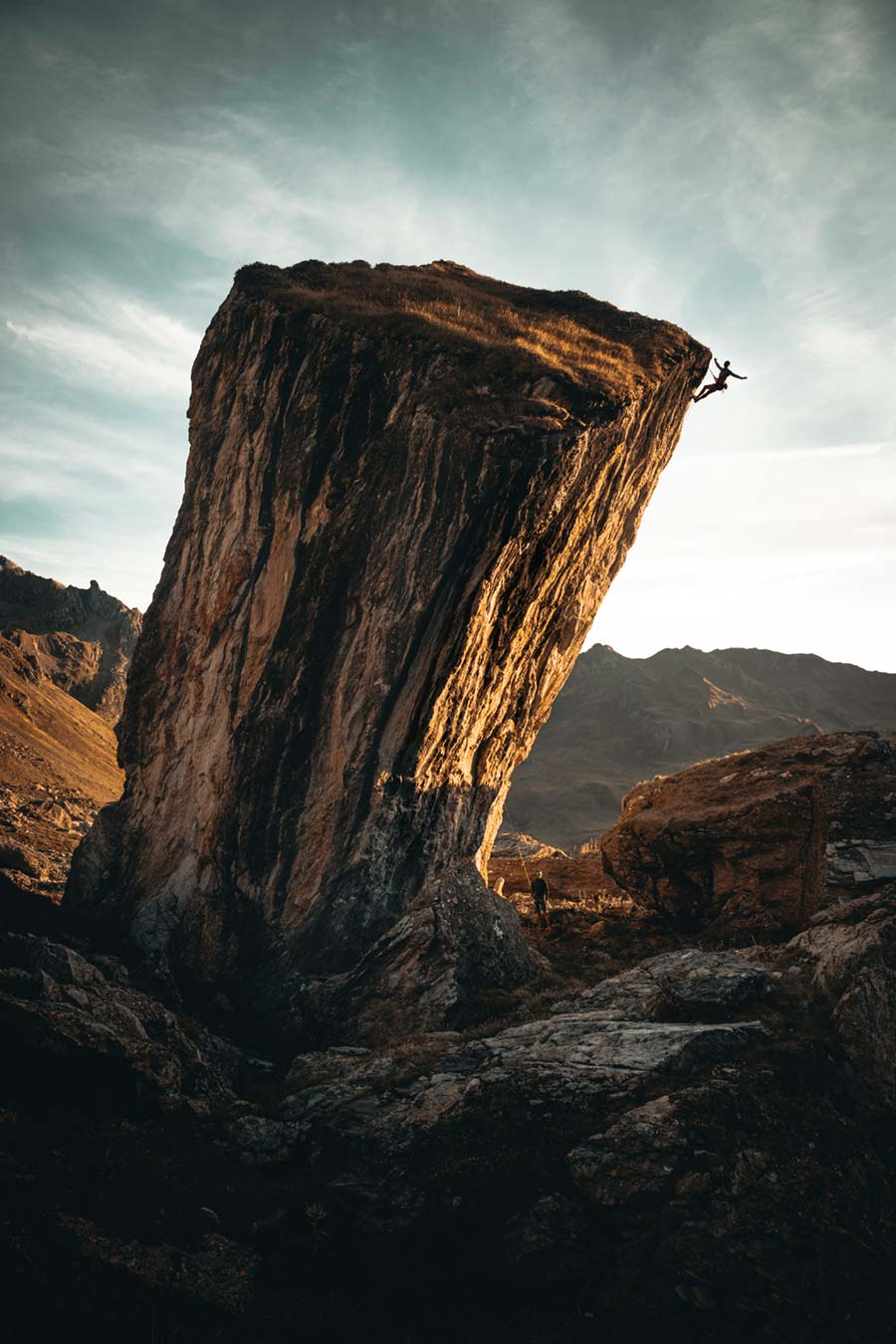 Photo d'escalade sur un monolithe
